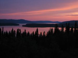 innu-labrador-land-lake-sunset