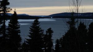 innu-land-lake-sunset