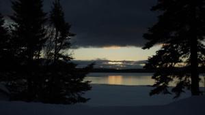 innu-land-lake-sunset-dark